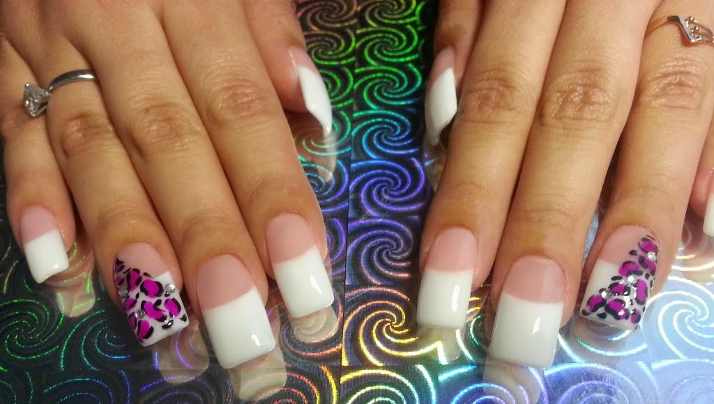 Curso de uñas de acrílico o de gel